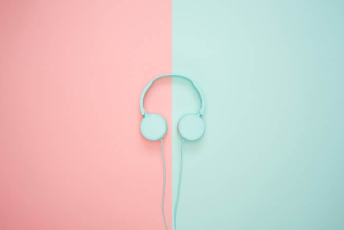 headphones-pink